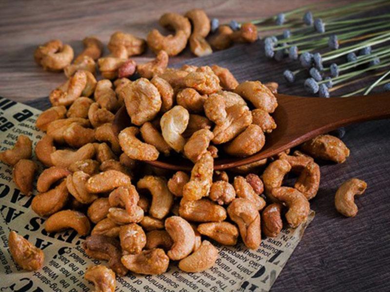 2 cách đươn giản cho món ăn hạt điều rang tỏi, ớt ngon khó cưỡng ngay tại nhà