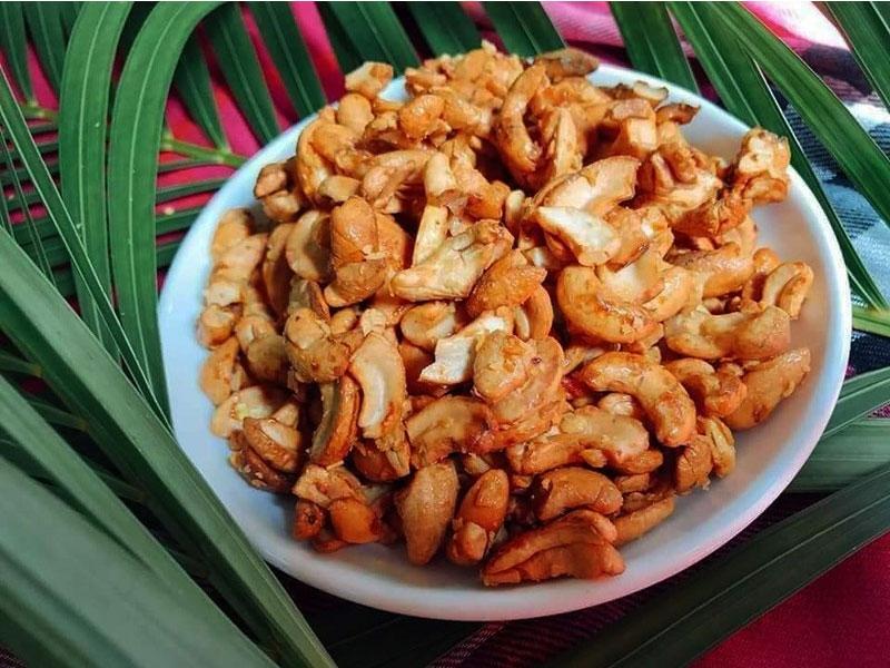 Bánh hạt điều caramen thơm ngon hấp dẫn